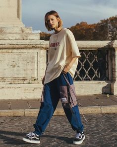 streetwear Skater Cargo Pants by Yukio Hishika Grunge Outfits, Mode Outfits, Retro Outfits, Vintage Outfits, Boyish Outfits, Urban Style Outfits, Girl Outfits, Tomboy Fashion, Look Fashion