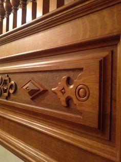 Максимальное использование дуба радиальной распиловки было обязательным требованием к текстуре древесины. Именно это и помогло передать дух старинной породистой английской лестницы. Шик набирается по крупицам - вся сила в деталях!!! Николай Misterwood 8-916-591-78-95 РОССИЯ