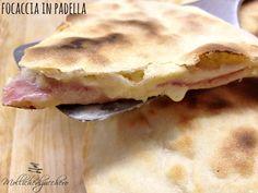 focaccia in padella salame e formaggio