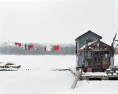 Alec Soth  USA. Winona, Minnesota. 2002. Peter's houseboat. Sleeping by the Mississippi.
