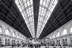 Budapest Keleti pályaudvar. Where a weird, old and scary woman asked us to follow her to her home... (Kidnapped failed)