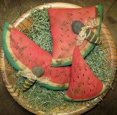 Its a summer picnic! These are so much fun to make and use! Pattern includes three different watermelon slice shapes and two bee sizes. You will receive detailed instructions, color photo and pattern pages to make these fun and easy tucks! As with all my patterns, these may be