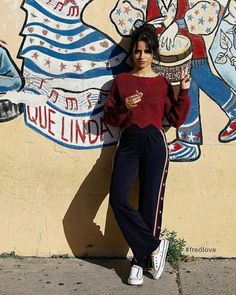 Camila Cabello ❤ love the place ! Mode Outfits, Casual Outfits, Fashion Outfits, Mode Ootd, Camila And Lauren, Outfit Goals, Look Fashion, Girl Crushes, My Girl