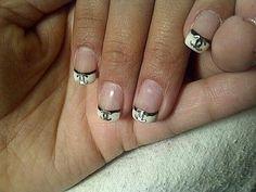 Chanel nail art