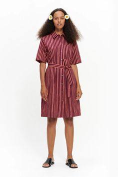 The short-sleeved Palsta button-up dress is made of cotton in the Piccolo pattern. The A-line dress has a breast pocket, a button closure in the front, side seam pockets and a detachable belt. Marimekko Dress, Normal Body, Poplin Dress, Button Up Dress, Women Wear, Coral, Shirt Dress, Female, My Style