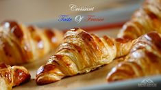 In English & French version. An upgraded video croissant; Throughout my carrer in France I worked in many places and there were this peti. French Croissant, Croissant Dough, Croissant Recipe, Butter Croissant, Homemade Croissants, Baking Recipes, Fun Recipes, Party Recipes, Bread Recipes