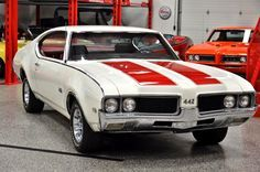 """The very popular Camrao A favorite for car collectors. The Muscle Car History Back in the and the American car manufacturers diversified their automobile lines with high performance vehicles which came to be known as """"Muscle Cars. Best Muscle Cars, American Muscle Cars, Pontiac Gto, Chevrolet Camaro, General Motors, 1969 Oldsmobile Cutlass, Automobile, Michigan, Mustang Cars"""