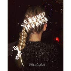 "113 tykkäystä, 8 kommenttia - Heli (@braidingbad) Instagramissa: ""#bowbraid with reflective ribbon in honor of Finland's 99th Independence Day 🇫🇮✨ #beseeninthedark…"""