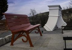 A spasso per le colline di Clavesana è arrivato il Big Arch! http://www.nakture.com/nuova-sorpresa-fianco-delle-panchine-giganti/