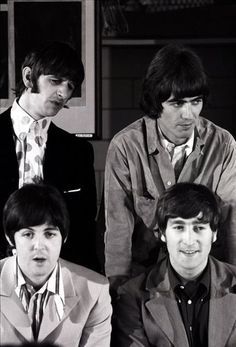 """The Beatles are a famous English band that originated in Liverpool, England. They became """"The Beatles"""" in 1960 and consisted of four very talented and incredibly influential musicians; John Lennon, Paul McCartney, George Harrison, and Ringo Starr. John Lennon, Ringo Starr, Paul Mccartney, Great Bands, Cool Bands, The Beatles 1960, Beatles Funny, Beverly Hills, Richard Starkey"""