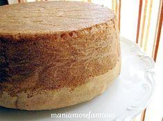 La famosa Molly cake! La consistenza è quella di un pan di spagna più corposo con poco sentore di uova, meno asciutto e viene alto, alto!!!