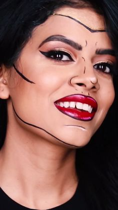 You don't always need a cape to rock the superhero look for Halloween. Channel your inner superhero with this pop art inspired Halloween makeup look created by Sharifa Easmin using all Maybelline products.  Click through to see more details on the look!