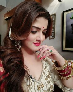 Srabanti Chatterjee was born on August 1987 in Calcutta, West Bengal, India. She is an actress, known for Idiot Bhaijaan Elo Re and Shikari She has been married to Roshan Singh since April She was previously married to Krishan Vraj and Rajib Biswas. Most Beautiful Indian Actress, Most Beautiful Women, Beautiful Bride, Best Mac Lipstick, Best Bride, Girls Selfies, Indian Models, Beautiful Saree, India Beauty