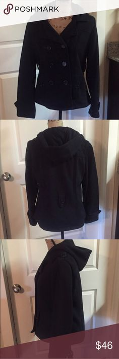 Jones New York Sport black coat Jones New York Sport black coat. Super comfy and warm. Hooded and cute button detailing. Excellent condition. Shell: 80% cotton/20% Polyester. Lining: 100% Polyester.Size Medium Jones New York Jackets & Coats