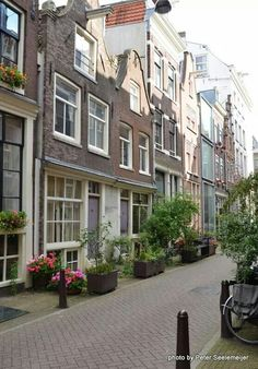 Amsterdam Winter, I Amsterdam, Amsterdam Netherlands, Old City, World Traveler, Dutch, Cool Pictures, Beautiful Places, Around The Worlds