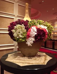 Gorgeous flower arrangement in the lobby of Encore Las Vegas, photo by Wendy Tomoyasu
