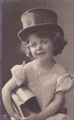 Письмо «сообщение Мурчелла : Винтажные фото с детками. (09:42 26-03-2016) [4267534/387450713]» — Мурчелла — Яндекс.Почта