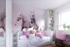 déco murale chambre fille en papier peint mural chevaux blancs