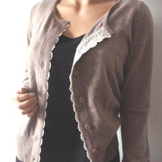Gilet cardigan 100 % cachemire taupe Add lace to underside of buttonband