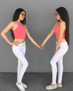 "19.7 mil Me gusta, 201 comentarios - Gülcan & Sahinur Twins (@thegstwins) en Instagram: ""Twinning  Tag your BFF """