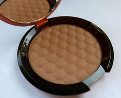 Review: The Body Shop Bronzing Powder - Medium Matte (Honey Bronze)