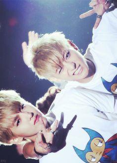 keke these two are so cute~! gotta love TaoRis no matter what~! keke dont worry Tao we still ship you and your oppa~ Exo Tao, Baekhyun Chanyeol, Kris Wu, Huang Zi Tao, Exo Couple, Wu Yi Fan, Xiuchen, Exo Korean, Wattpad