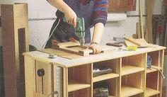 Ah! E se falando em madeira...: bancada e porta ferramentas