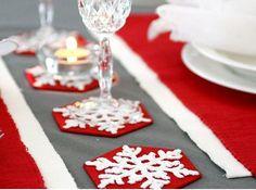 Crochet Snowflakes Coasters   Click for 30 DIY Christmas Table Centerpiece Ideas   DIY Christmas Table Decoration Ideas