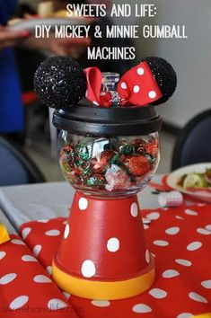 One of the cutest projects I did for my daughter's 1st birthday party was the Mickey & Minnie Gumball Machines. I received so many compliments from this project and it was pretty easy to make....