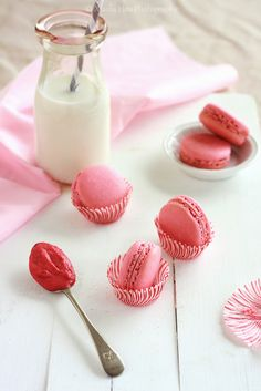 Rhubarb-Raspberry-Curd-Strawberry-Red-Berry-French-Macarons | @Mindy CREATIVE JUICE