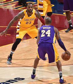LeBron guards Kobe Bryant for the last time in Cleveland Kobe Bryant Pictures, Kobe Bryant Black Mamba, Kobe Bryant Nba, Basketball Is Life, Magic Johnson, Los Angeles Lakers, Lebron James, My Idol, All Star