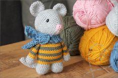 Haken: Schattige baby muis (Gratis haakpatroon) - Nobody ELSe Crochet Hooks, Free Crochet, Knit Crochet, Double Crochet, Single Crochet, Snoopy The Dog, Crochet Easter, Bunny Blanket, Stitch Markers