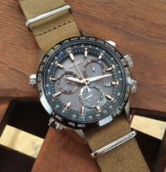 Creating a totally different look for the Seiko Astron GPS by adding a leather NATO strap