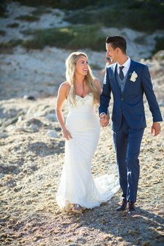 Gorgeous #EnzoaniRealBride Chloe in 2015 Juliana gown!