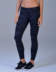 e359f5811af82 Elongate Legging Print  Into the Night Camo