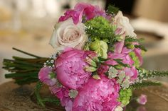 #pink peonies, blush roses, lysianthus, mini green hydrangeas & other spring flowers create a lush, delicate and beautiful bouquet. Design by Teresa Ferrando.