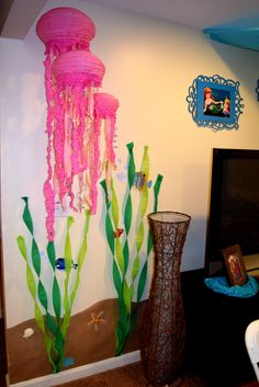 seaweed & jellyfish deco for Floating Palace/ Under the sea party by Kristin Moffett :) Clara & Greenley had so much fun!!