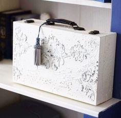 Vintage Suitcases, Nice Ideas, Ideas Para, Decoupage, Stencils, Diy And Crafts, Decorations, Storage, Furniture