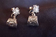 This is a great set Silver Tone Art Nouveau Screwback Dangle Earrings. These Screwback Dangle Earrings have a wonderful Geometric and Scroll design