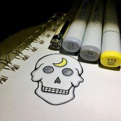 Under the full moon She had never felt crazy She had only ever felt connected....... #skulladay #skullabration #skulllovers #skull #crescentmoon #creativesprint #day6