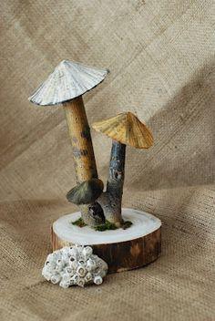 Full tutorial on making these papier mâché mushrooms