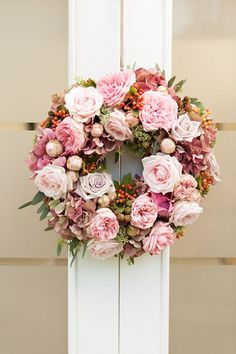 pink peony and rose wreath for summer wedding Wedding Wreaths, Wedding Flowers, Wedding Decorations, Wedding Rings, Deco Floral, Flower Girl Basket, Valentine Wreath, Summer Wreath, Spring Wreaths