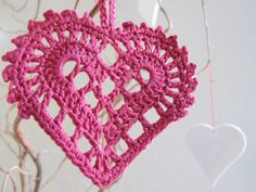 Swedish Crocheted Heart: original pattern designed by AnneSofie Ampén at Slojdmagasinet. Valentine's Day will be here soon!