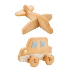 This cookie cutter makes a cookie in 3D! Single stamp produces all parts at once. Perfect for parents & kids who want to enjoy making cookies together. Yummy and fun!