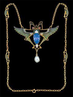 Leopold Albert Marin Gautrait (1865-19370 fantastical Art Nouveau winged insect necklace, French, circa 1899 (gold, plaque-à-jour enamel, sapphire, diamond, pearl)