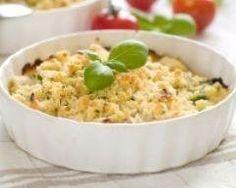 Crumble de colin aux poireaux : http://www.cuisineaz.com/recettes/crumble-de-colin-aux-poireaux-58569.aspx