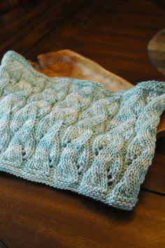 Falling water cowl from Manos del Uruguay Maxima in Oxygen   @Manos Yarns #knitting