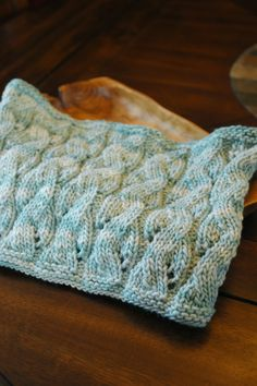 Falling water cowl from Manos del Uruguay Maxima in Oxygen   @Manos Yarns #knitting