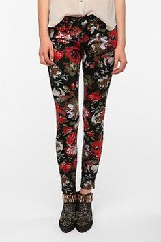 BDG Twig Mid-Rise Jean - Oversized Floral Print - urban outfitters