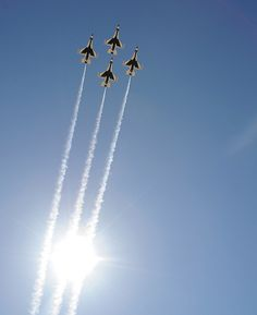 Thunderbirds last week at Barksdale AFB,LA Military Jets, Military Aircraft, Fighter Aircraft, Fighter Jets, Military Flights, Mustang, Thunderbirds Are Go, Us Air Force, Jet Plane